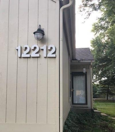 Lenexa Condo/Townhouse For Sale: 12212 W 79th Terrace