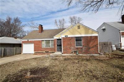 Kansas City Single Family Home For Sale: 706 E 73rd Street