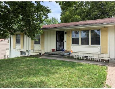 Kansas City Single Family Home For Sale: 8601 Sni A Bar Road
