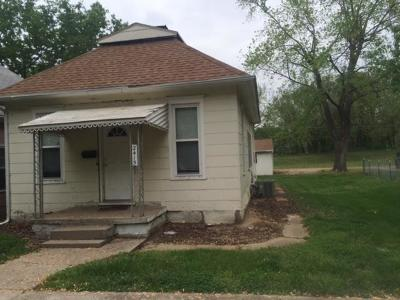 Buchanan County Single Family Home For Sale: 2415 Mary Street