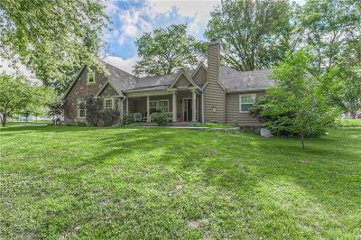 Kansas City Single Family Home For Sale: 11135 Sunnyslope Drive