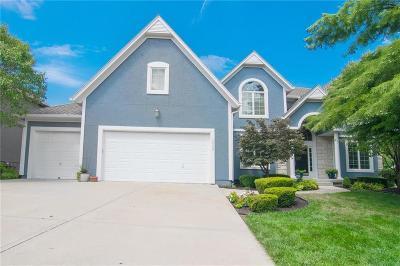Overland Park Single Family Home For Sale: 12329 Noland Street