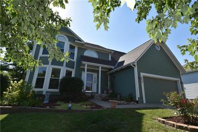 Raymore Single Family Home For Sale: 220 N Sunset Lane