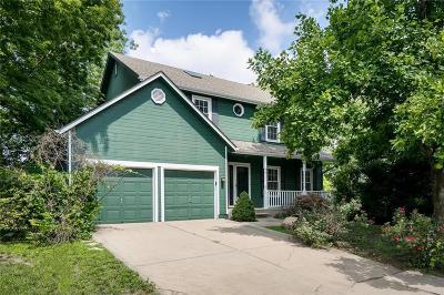 Overland Park Single Family Home For Sale: 15434 Glenwood Street