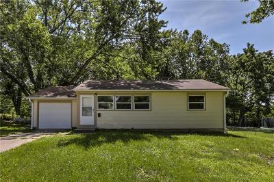 Gladstone Single Family Home For Sale: 6109 N Virginia Avenue