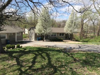 Sugar Creek Multi Family Home For Sale: 11417 E Lexington Avenue