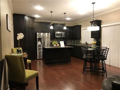 Lee's Summit Single Family Home For Sale: 909 SW 35th Street