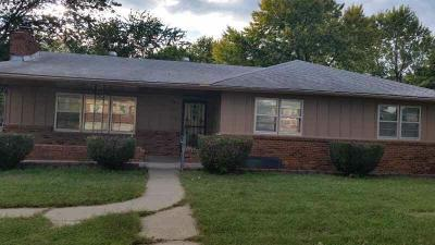 Kansas City Single Family Home For Sale: 2606 N 82 Terrace