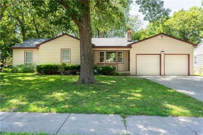 Overland Park Single Family Home For Sale: 7632 Marty Street