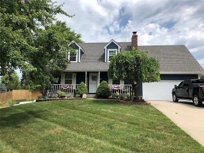 Platte City Single Family Home For Sale: 12 Timber Creek Drive
