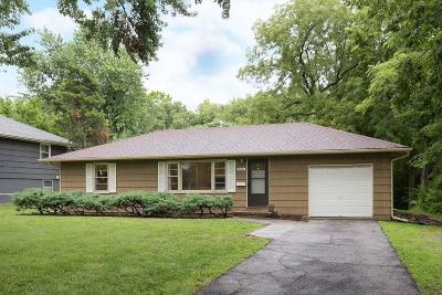 Overland Park Single Family Home For Sale: 9001 W 79th Street