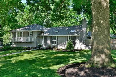 Leawood Single Family Home For Sale: 9730 Belinder Road