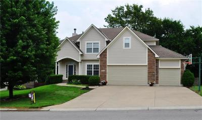 Lee's Summit Single Family Home For Sale: 2733 SW Regal Drive