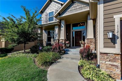Olathe Single Family Home For Sale: 11210 S Lewis Drive