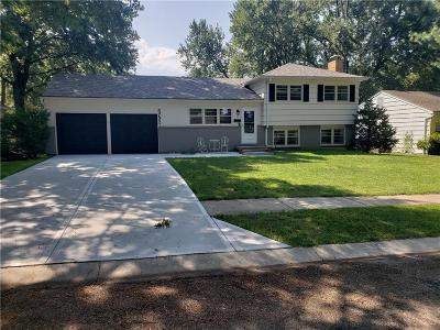 Overland Park Single Family Home For Sale: 5721 W 100th Street