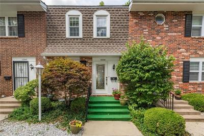 Overland Park Condo/Townhouse For Sale: 10243 W 96 Place