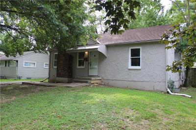 Kansas City Single Family Home For Sale: 11013 Bristol Terrace