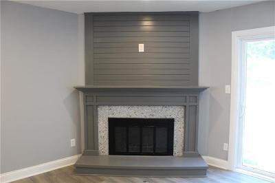 Lenexa Condo/Townhouse For Sale: 8114 Halsey Street