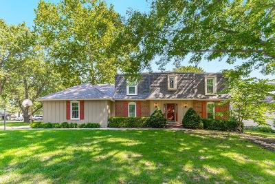 Overland Park Single Family Home For Sale: 9110 W 105th Terrace