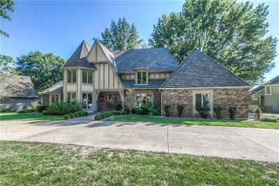Leawood Single Family Home For Sale: 5107 W 112th Street
