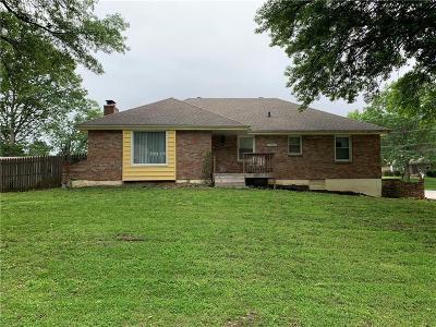 Grandview Single Family Home For Sale: 13020 Corrington Avenue