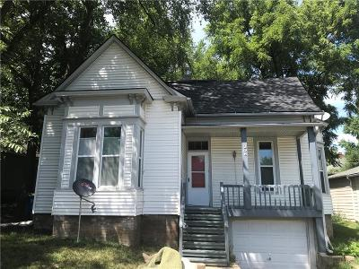 Liberty Single Family Home For Sale: 208 Laura Street