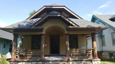 Kansas City Single Family Home For Sale: 5629 Lydia Avenue