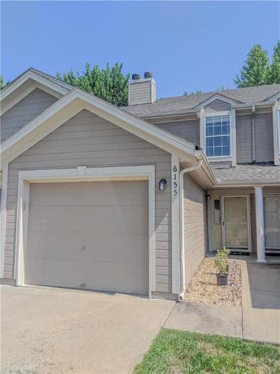 Lee's Summit Condo/Townhouse For Sale: 6155 NE Moonstone Court