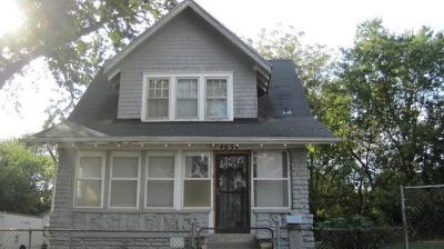 Kansas City Single Family Home For Sale: 4634 Agnes Avenue
