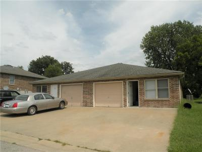 Higginsville MO Multi Family Home For Sale: $159,900