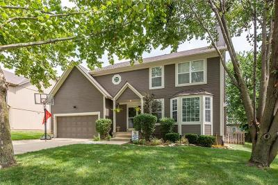 Single Family Home For Sale: 5015 Lakecrest Drive