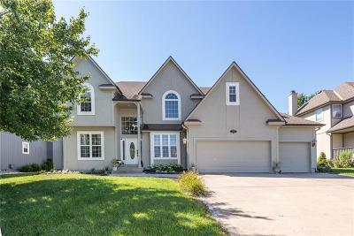 Single Family Home For Sale: 2305 SW Crown Drive