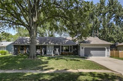 Overland Park Single Family Home For Sale: 5910 W 86th Street