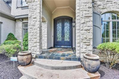Leawood Single Family Home For Sale: 13904 Howe Drive