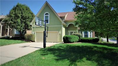 Olathe Single Family Home For Sale: 12267 S Gallery Street