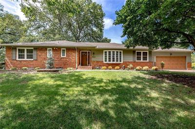Leawood Single Family Home For Sale: 9808 Wenonga Lane