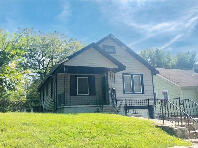 Kansas City Single Family Home For Sale: 6735 Walrond Avenue