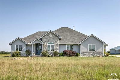 Shawnee County Single Family Home For Sale: 3150 SE 61st St