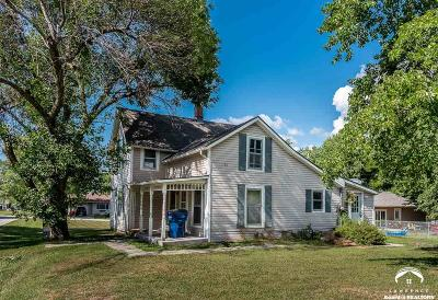 Winchester Single Family Home For Sale: 207 First St