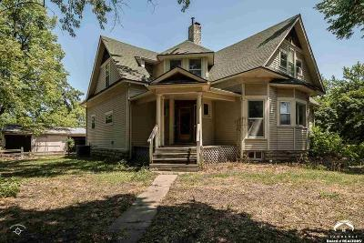 Baldwin City Single Family Home For Sale: 512 Quayle