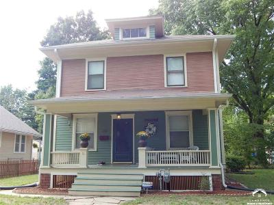 Topeka Single Family Home For Sale: 319 SW Broadmoor Ave