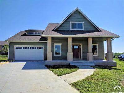 Baldwin City Single Family Home For Sale: 1106 Signal Lake Ct