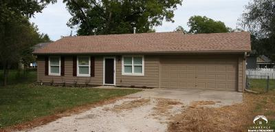 Tonganoxie Single Family Home Under Contract/Taking Bu: 117 Brice