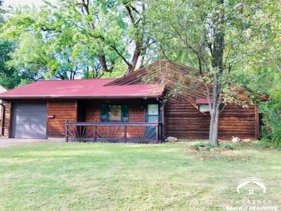 Topeka Single Family Home For Sale: 4300 SW 27th Ter