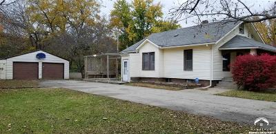 Topeka Single Family Home For Sale: 639 NE Strait Ave