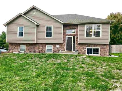 Lawrence KS Single Family Home Under Contract: $249,900