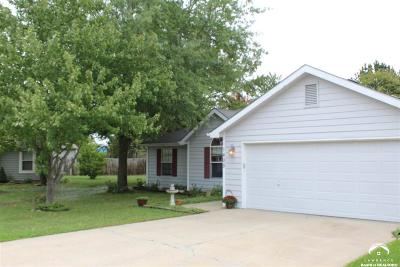 Lawrence KS Single Family Home For Sale: $171,000