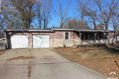 Lecompton Single Family Home Under Contract: 220 E Woodson