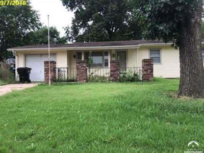 Topeka Single Family Home For Auction: 305 NE Mimosa Ln