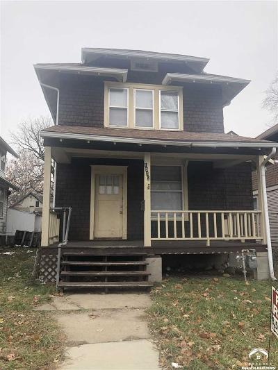Topeka Single Family Home For Sale: 1528 SW Central Park Ave